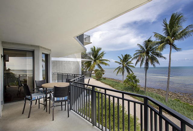 Beautiful Ocean Front 3 Bedroom Condo on the Nature Preserve Side.