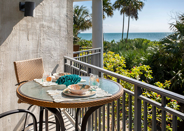 1800 Atlantic Blvd A104: Here is an opportunity to purchase this beautiful 2 bedroom Condominium located on the tranquil nature preserve side of 1800 Atlantic Condominiums